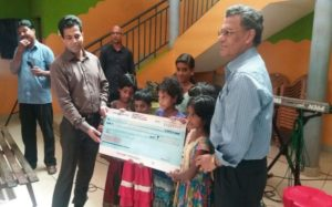 """Handover of CHF 11'150 – """"A roof above your head"""" project"""